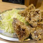大衆酒場 晩杯屋 - 最後は竜田揚げ風の「大盛りレバホルモン」150円を注文。