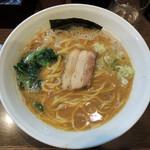 豚蔵 - 2017年2月1日(水) ラーメン中(1.5玉)太麺のみ(750円)