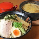 ラーメン雷豚 - 石焼つけ麺