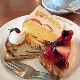 コクテル堂 国分寺店 - コーヒーマーブルチーズケーキ、苺ショート、チェリーベリータルト