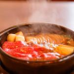 佰食屋 すき焼き専科 - 1人鍋スタイルです。お好きな火通りでどうぞ♪