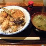 みょうがや - かき天丼 735円