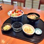 64691617 - 9種海鮮丼+そばセット