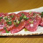 焼肉屋かねちゃん - 上肉モモ_1,300円
