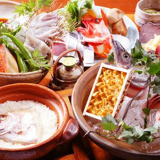 旬の食材を盛り込んだ色鮮やかなコースを堪能