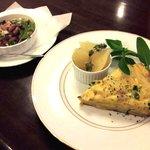料理工房 Uhu - スパニッシュオムレツ&豆のサラダ ※予約のおまかせメニュー