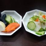 天若 - 「天若」漬物&惣菜バーの漬物と酢の物