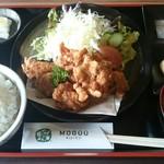 キッチンMOGUU - 料理写真:からあげ定食