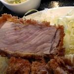 理尾レストラン - カツ超厚い!