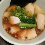 越後秘蔵麺 無尽蔵  - 生姜醤油叉焼麺