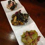 厨酒房ぱんどら - 前菜盛り合わせ  奥から イカ和え物・サザエ・ザーサイと鶏肝和え