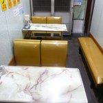 一休軒 - テーブル席