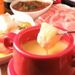肉バルイタリアン ふぇりちった - 人気のチーズフォンデュは肉料理と合わせてミートフォンデュに!