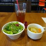 64731427 - ランチ:サラダ、スープ、ドリンク