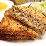 バビーズ - Today's Grilled Cheese: Tuna