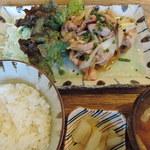 kawara CAFE&DINING -FORWARD- - 塩麹鶏の玉葱塩炒め(ランチ週替わり定食)2016年1月25日