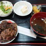 飛騨牛 まんぷく亭 - 飛騨牛の牛丼を定食で