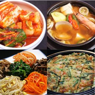 本場韓国料理&豊富なメニュー、自家製ジャムを用いたドリンクも