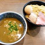 64739277 - 味玉極濃煮干しつけ麺