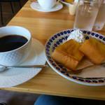コーヒー 未完 - レギラーコーヒーとモーニングサービス(フレンチトースト)