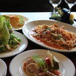 レストラン バロック - 料理写真:『シェアディナーセット』お一人様¥1500(二名様より)~取り分けて召し上がっていただくセットです~