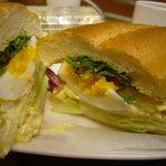 6477545 - 期間限定ミラノサンド~『卵とスモークベーコン~彩りサラダ』(390円)