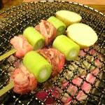 和火一 - ジャンボねぎまを焼いています。