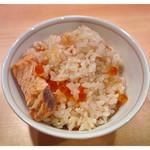 茶居庵 - 「桜鱒とイクラの土鍋飯」