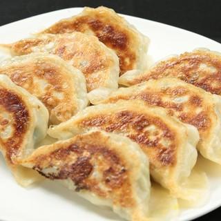冠龍焼き餃子