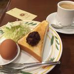 すばる珈琲店 - ブレンドコーヒー380円と小倉トーストのモーニング