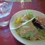 バル&ダイニング ひまわり - ランチセットのサラダ 野菜が美味しいです