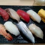 つきぢ神楽寿司 - 夜セット:1,000円