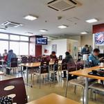 水産食堂 - テーブル席
