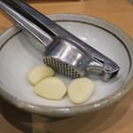 魂麺  - 生ニンニク
