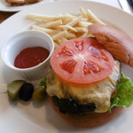 オランジュ・ブルー - 料理写真:ハンバーガー