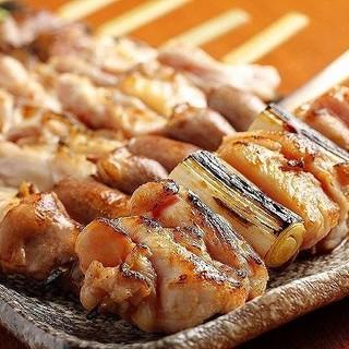 銘柄鶏「霧島鶏」を1串1串丁寧に手刺しした焼鳥
