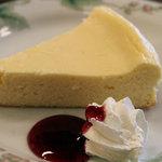 大正館 - セットのチーズケーキ。2011年1月撮影。