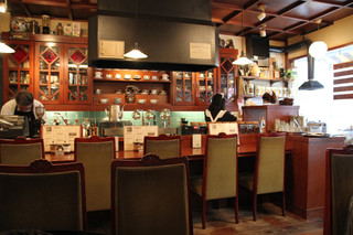 大正館 - シックな店内。2011年1月撮影。