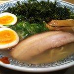 丸源ラーメン - 磯海苔の塩ラーメン(半熟煮玉子入り) アップ