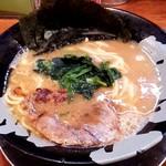 濃豚骨醤油ラーメン 馬力屋 - 料理写真:ラーメン並盛(600円)