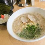 ラーメン一 - 料理写真:「元祖 一 ~特製豚骨~」(600円)+「Bセット(明太子ごはん)」(+100円)。