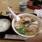 熊本屋 - ラーメン定食