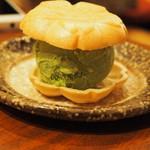 肉家 桜真 - 抹茶最中アイス
