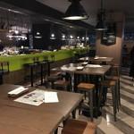 PIZZA &TAPAS cibo - お店内観