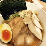 麺屋 和人 - 和人チャーシュー麺  大盛り無料   綺麗なラーメン