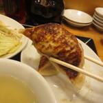 台湾ぎょうざ - ジャンボ餃子2個付き