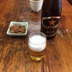 新奥 - 瓶ビールと蕎麦菓子