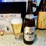 やき鳥 たつみ - [2017/03]アサヒ瓶ビール(525円)・ここではアサヒよりキリンの方が面白いかもしれません。