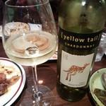 ネパリダイニング ダルバート - オ-ストラリア産白ワイン