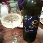 ネパリダイニング ダルバート - インド産白ワイン